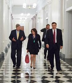 executives-usda-april-2013-cropped-photo-via-us-dept-of-agriculture-via-wikimedia-commons