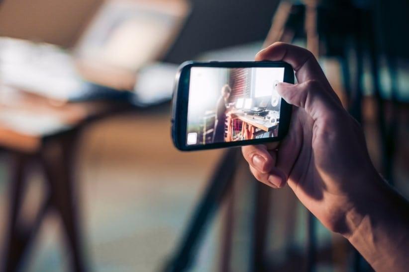 20151120194304-video-phone-mobile-photo-smartphone-recording-camera-picture